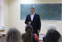 Students meeting with Vadym Kolisnichenko in Law Institute