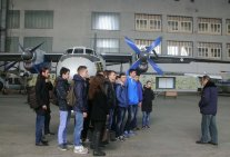 Excursion to the training hangar